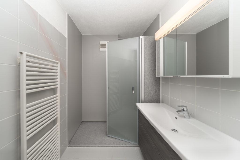 Fugenloses Bad: Lösungen und Varianten für ein modernes ...