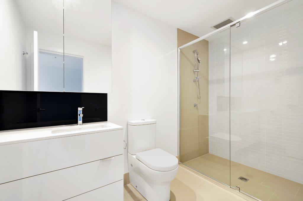 Kleines Bad planen: Tipps und Ideen um kleine Badezimmer ...