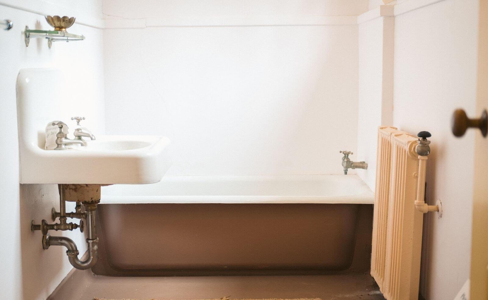 Badezimmer mit Heizung und Lüftung