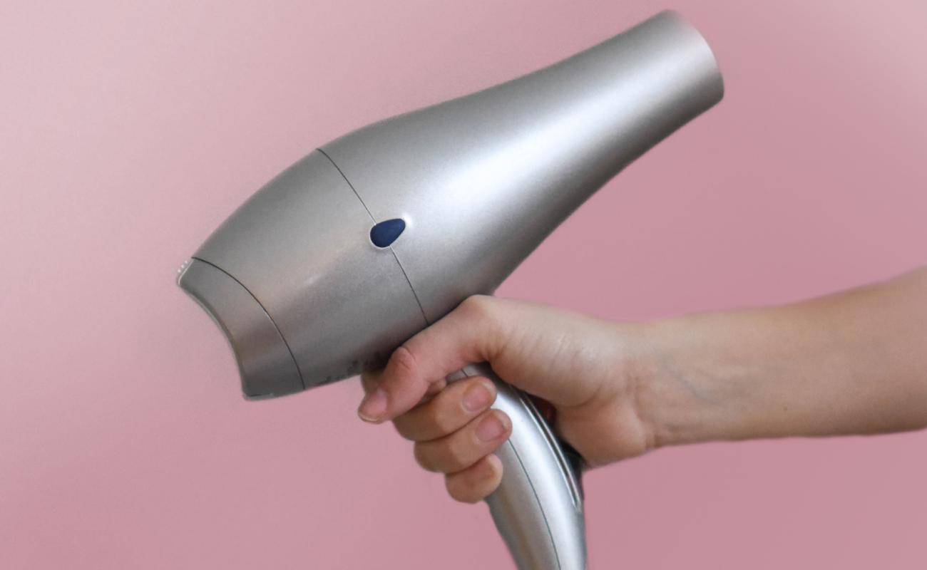 Haare föhnen: Tipps & Tricks wie du es richtig machst