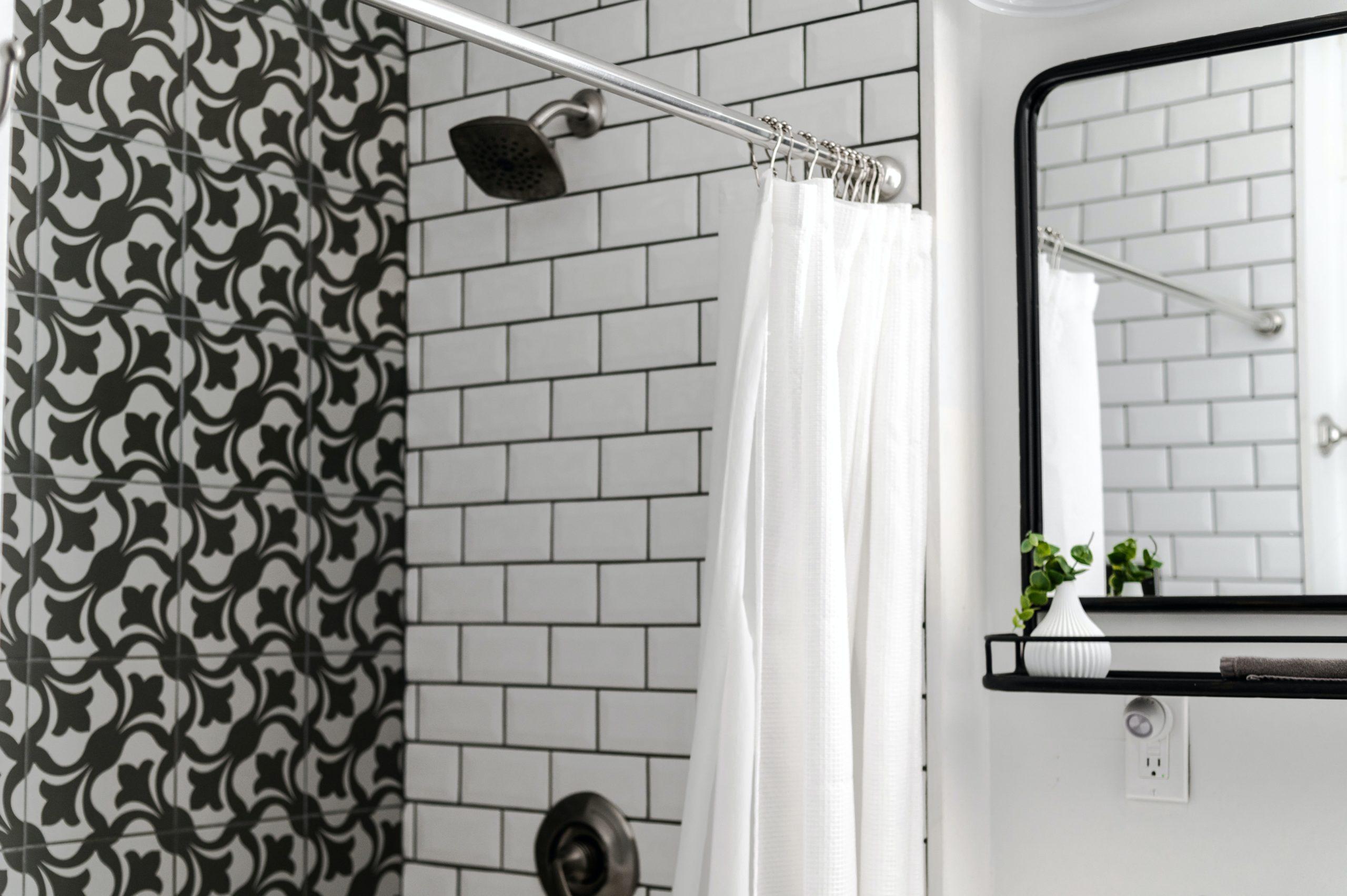 Bei einer neuen Duschkabine kommen meist Kosten auf dich zu