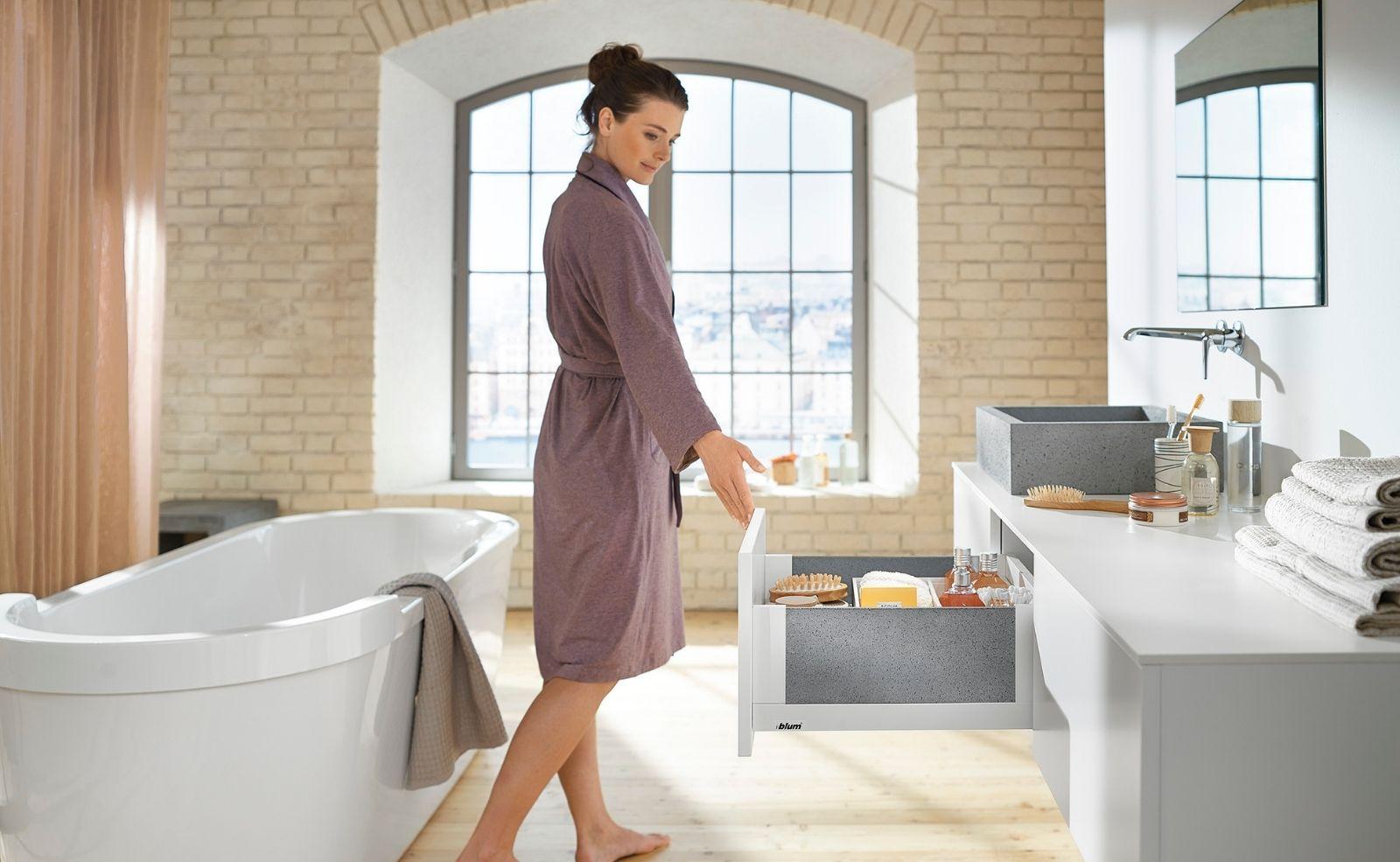 Badmöbel für jedes Alter Auch im Badezimmer ist Ergonomie das A und O
