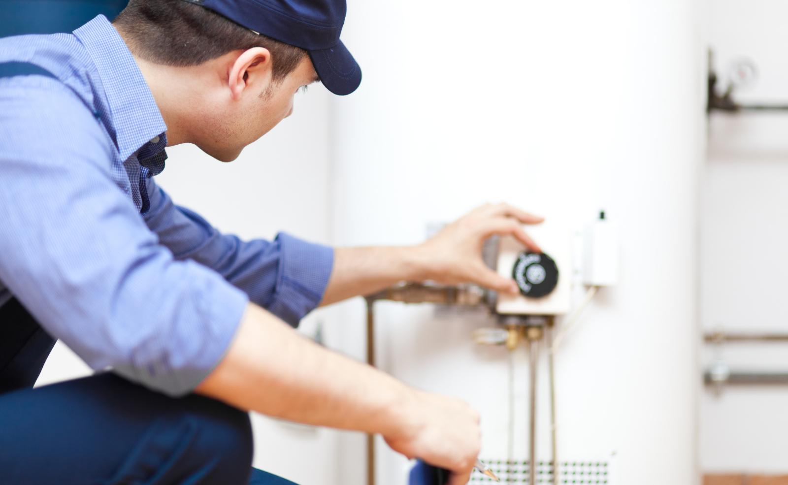 Bei der Entscheidung, ob Durchlauferhitzer oder Boiler, kann eine professionelle Beratung nicht schaden.