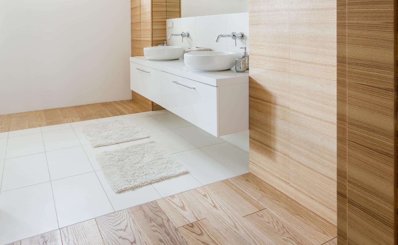 Holz sorgt für Natürlichkeit und Wärme im Badezimmer.