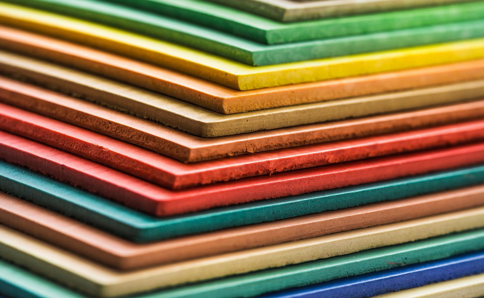 Linoleum gibt es in verschiedensten Varianten und Farben.