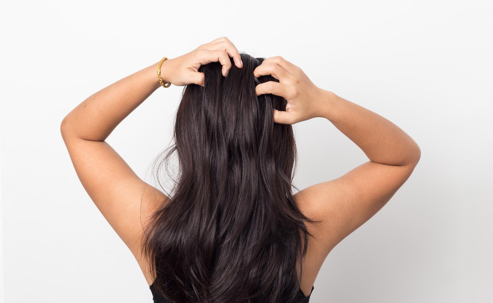 Ist Trockenshampoo schlecht für die Haare?